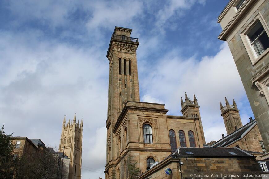 Башни церкви Park Church and Trinity College
