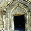 Вход в храм Ананури