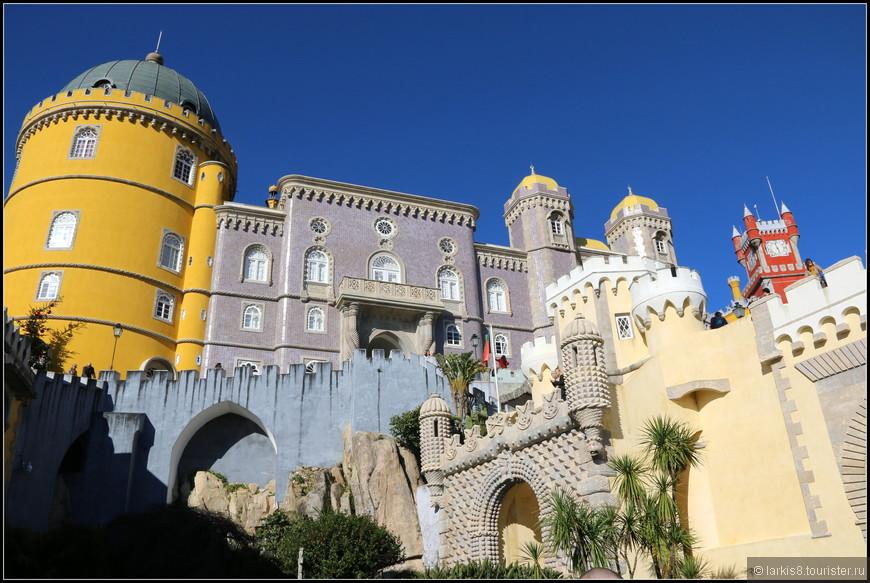 Ох, и огромен этот сказочный дворец!