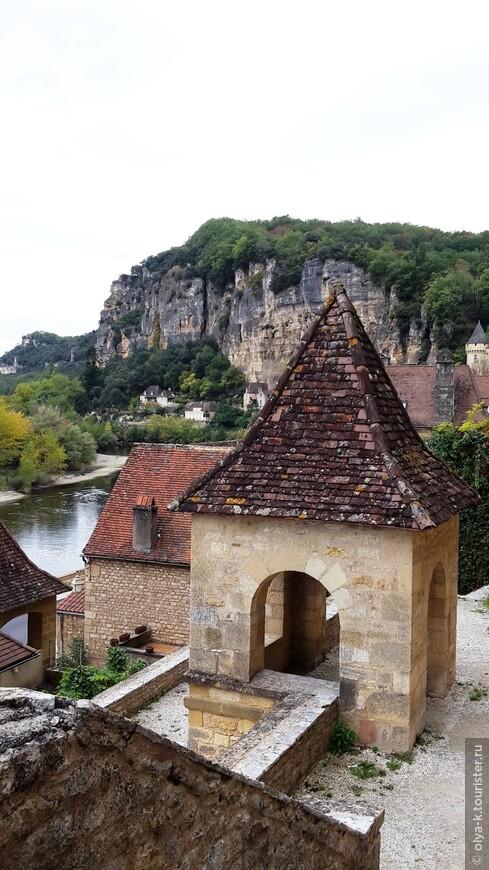 La Roque Gageac на Дордони. Входит в список 100 самых красивых деревень Франции.