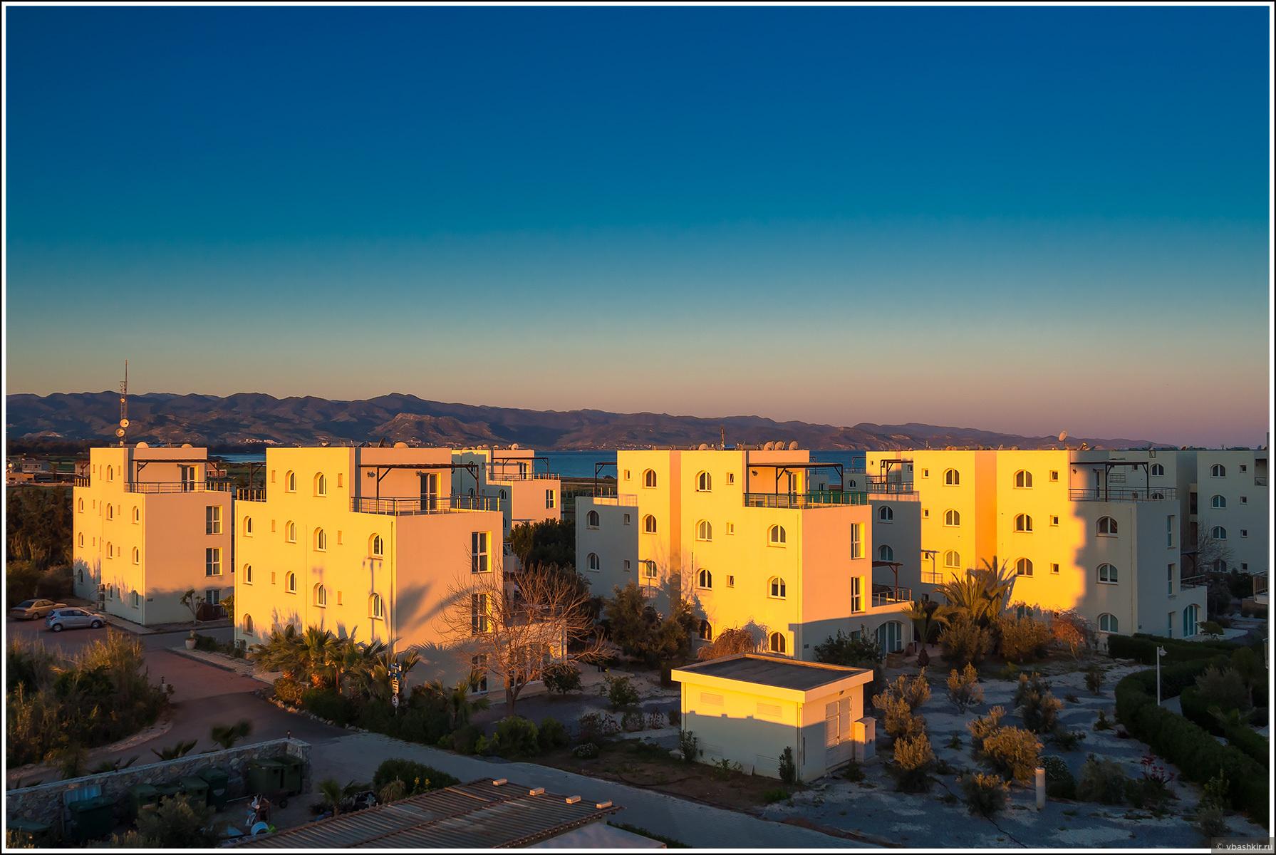 Рассвет с балкона нашего жилища., Весенний Кипр