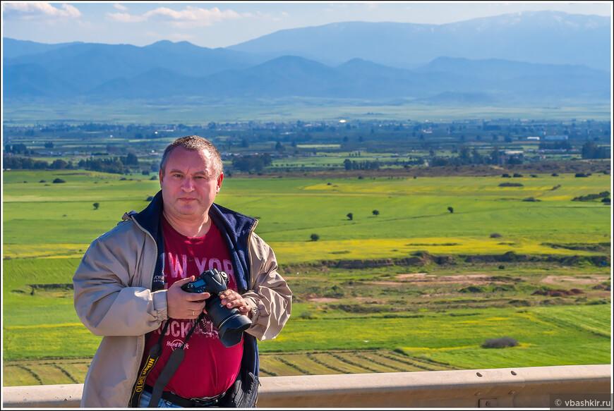 Николай @ronadort Рыскин на фоне равнины Морфу.