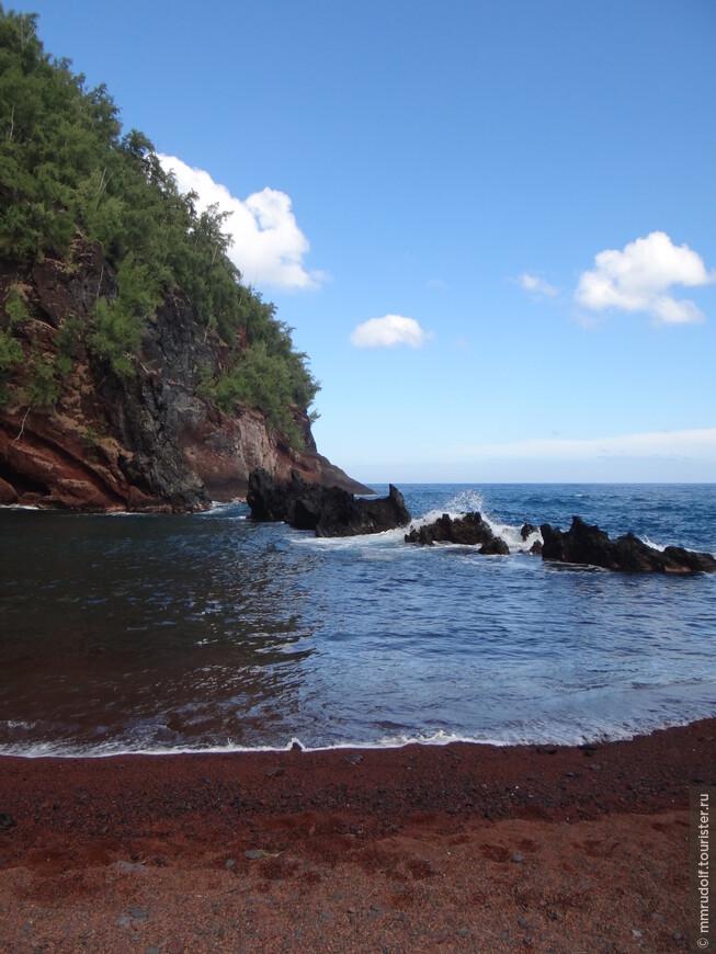 RED SAND BEACH в солнечную погоду выглядит по другому