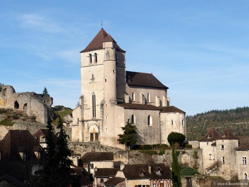 Церковь и руины замка