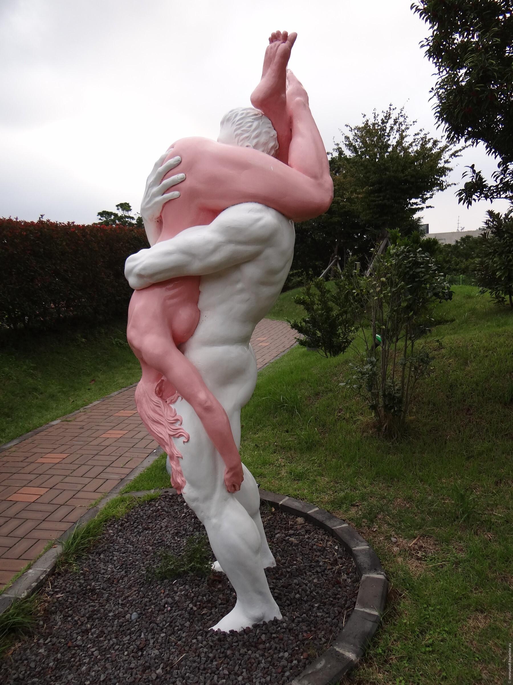 ploshad-i-pamyatnik-seksualnogo-raznoobraziya-urugvai