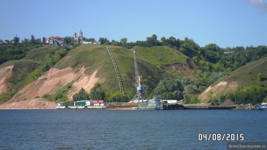 За ночь прошли водохранилище, Ульяновск, и здравствуй Татарстан. Тетюши.