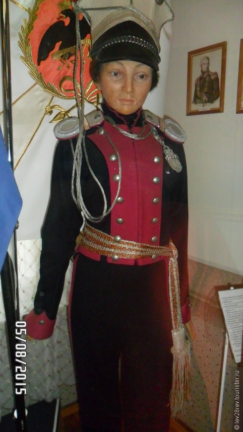 Дом музей кавалер девицы Надежды Дуровой в Елабуге. Восковая фигура в полный рост Н. Дуровой