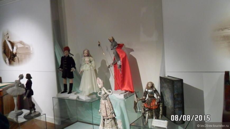 Куклы-персонажи из опер П.И. Чайковского