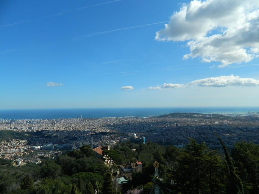 вид на Барселону с горы Tibidabo