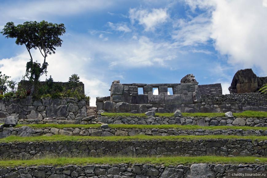 Инкский дворец – в первую очередь он хорош тем, что находится не в Подмосковье, а на Мачу Пикчу