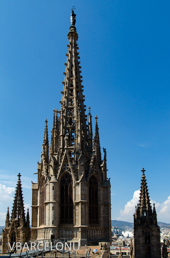 Шпиль собора Святой Эулалии. Постороен в 1913 году