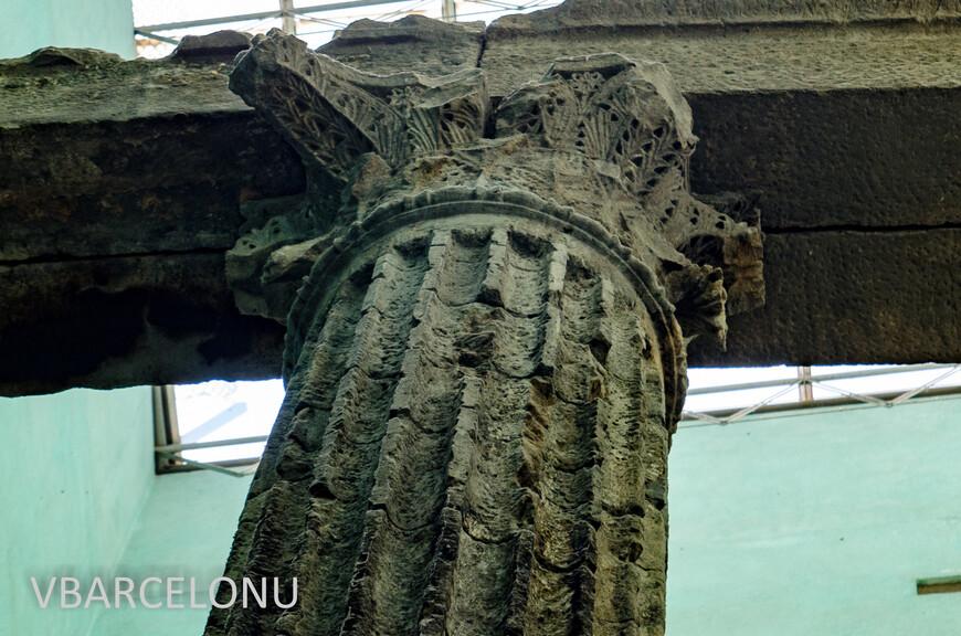 Часть древнеримских колонн, сохранившихся со 2 века до нашей эры