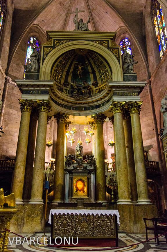 Внутри церкви Сант-Жус-и-Пастор