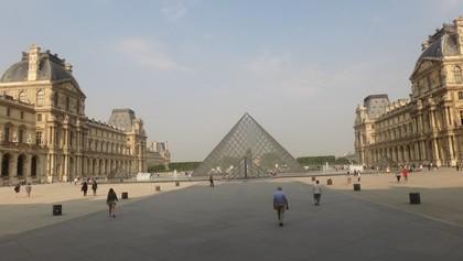 W2. Париж. Лувр., 01:02
