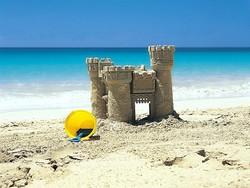 На Майорке будут штрафовать за строительство замков из песка