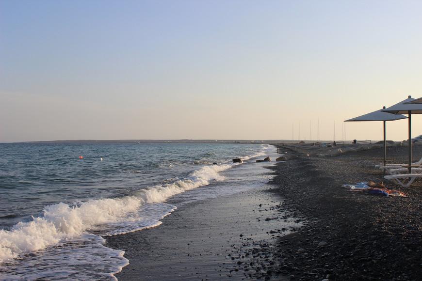 Под Лимассолом, говорят, тоже есть хорошие пляжи... Не знаю, не видела... Ехали по путеводителю на пляж Lady's Mile Beach- вроде бы лучший пляж Лимассола... Ну вот вообще не понравился!