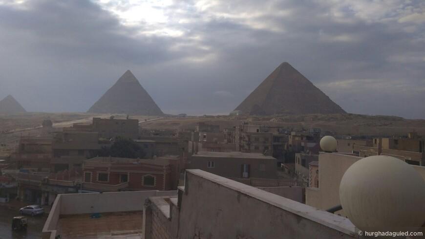 Пирамиды Гиза. Вид из далека.