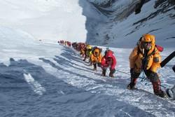 На Эвересте введут возрастной ценз