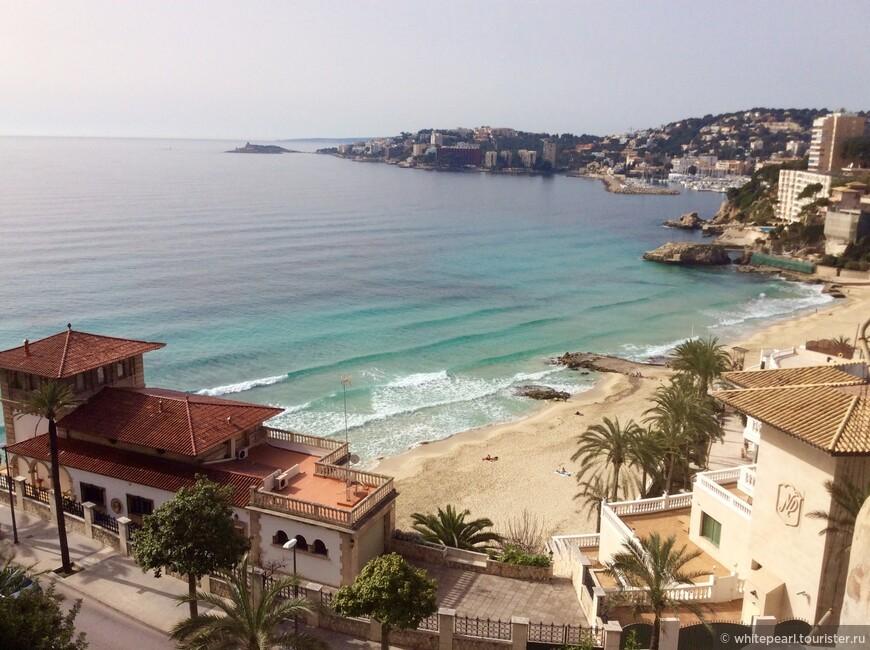 Вид на пляж Cala Mayor