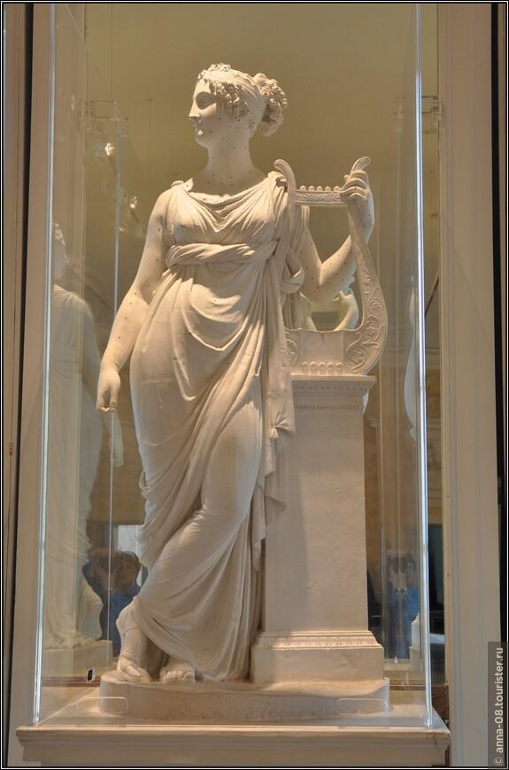 Еще один шедевр Антонио Кановы - «Муза Терпсихора», - оригинальная гипсовая модель для мраморной скульптуры.