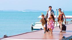 Самыми активными туристами являются люди в возрасте 25 - 34 лет