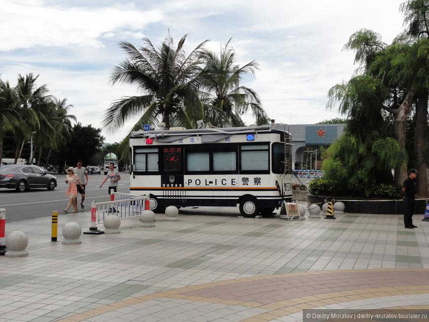 В Китае часто можно встретить такие полицейские участки
