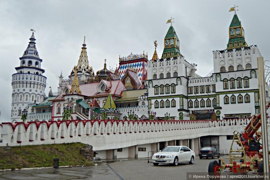 Кремль, как дивный град, сошедший со страниц русских сказок...