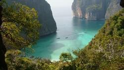 Бухту Майя-Бей в Таиланде не будут закрывать для туристов