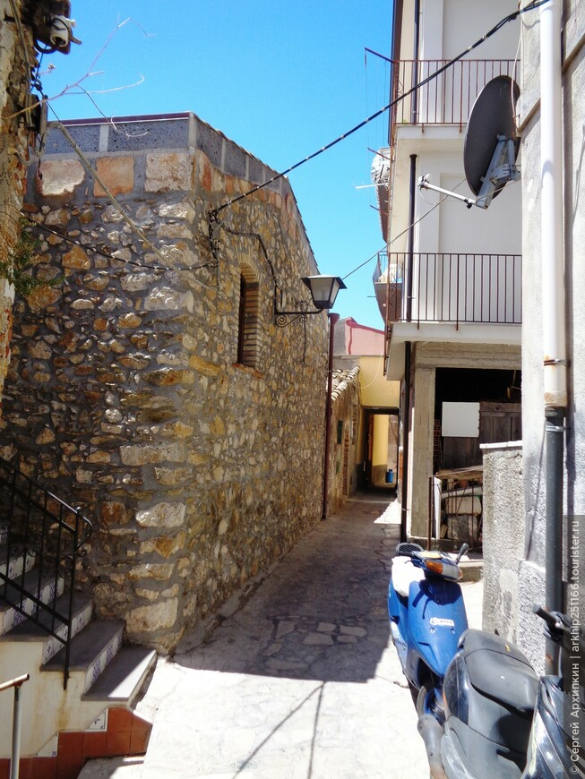 Узкие улочки Кастельмолы