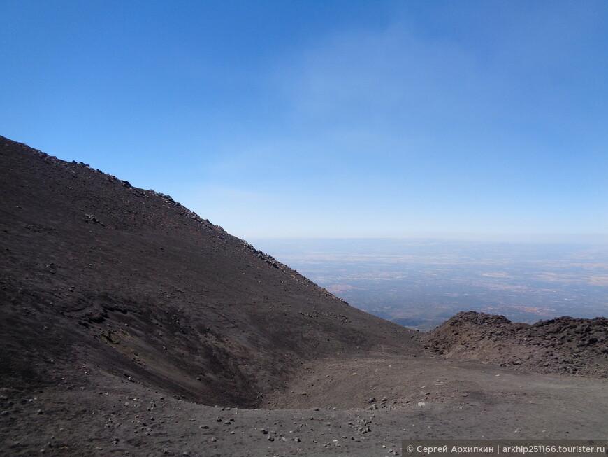 На Этне более 400 кратеров