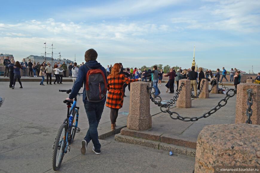И потанцевал бы, да велосипед не на кого оставить...