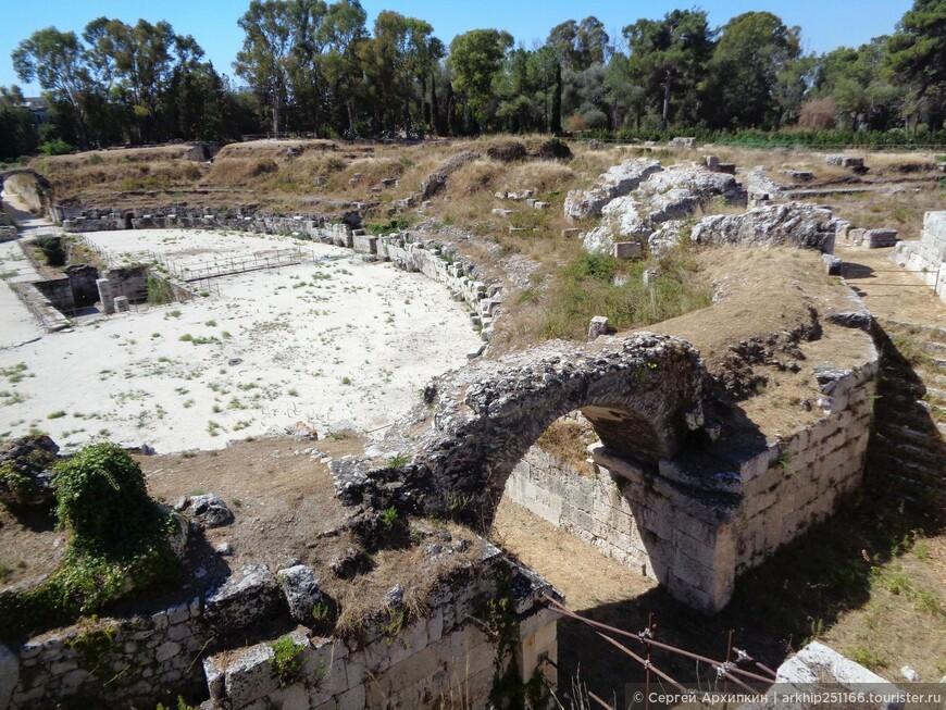 Следующим объектом стал Римский амфитеатр