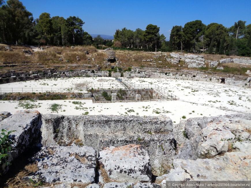 Древнеримский амфитеатр в Сиракузах