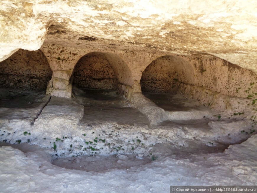 Древние каменоломни