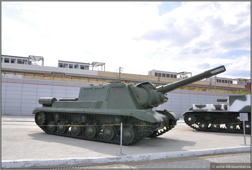 152-мм самоходная артиллерийская установка ИСУ-152К образца 1943 г.
