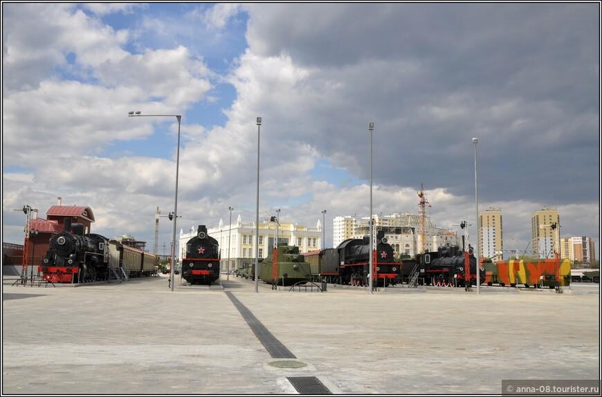 Особое место в коллекции Музея занимает железнодорожная экспозиция, посвященная подвигу советских железнодорожников в годы Великой Отечественной войны.