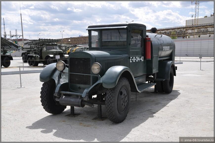 Бензозаправщик БЗ-39
