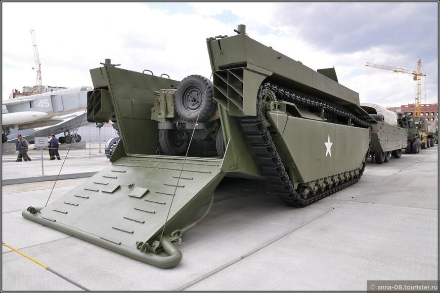 Гусеничная десантная машина LVT-4 Water Buffalo