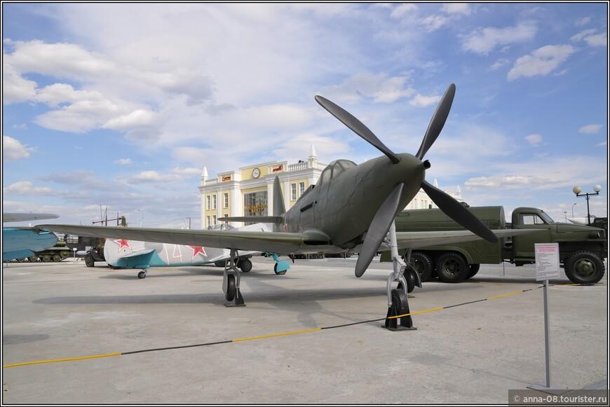 Истребитель-бомбардировщие Bell P-63 C-5 «Kingcobra»
