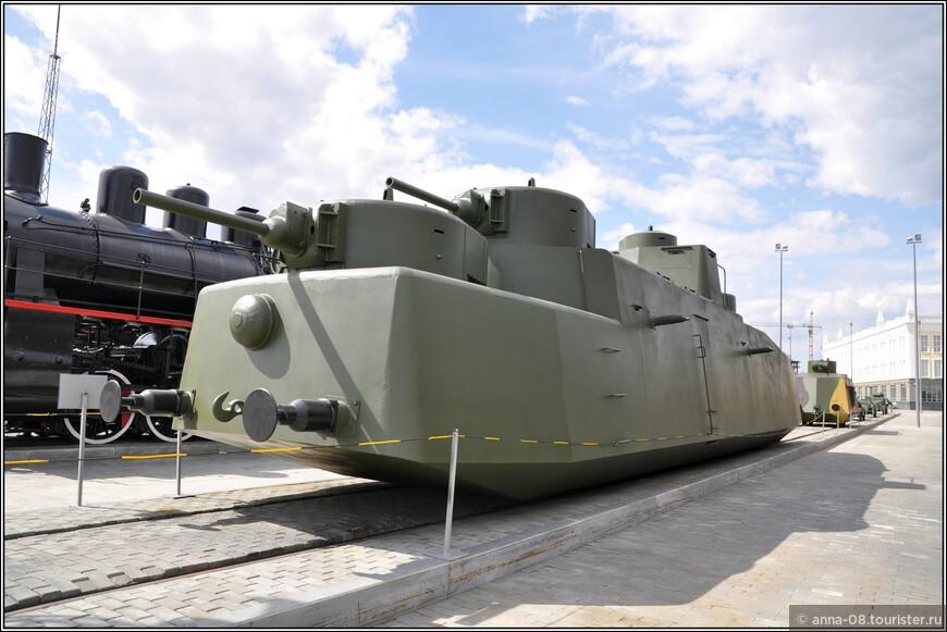 Моторный броневой вагон МБВ-2