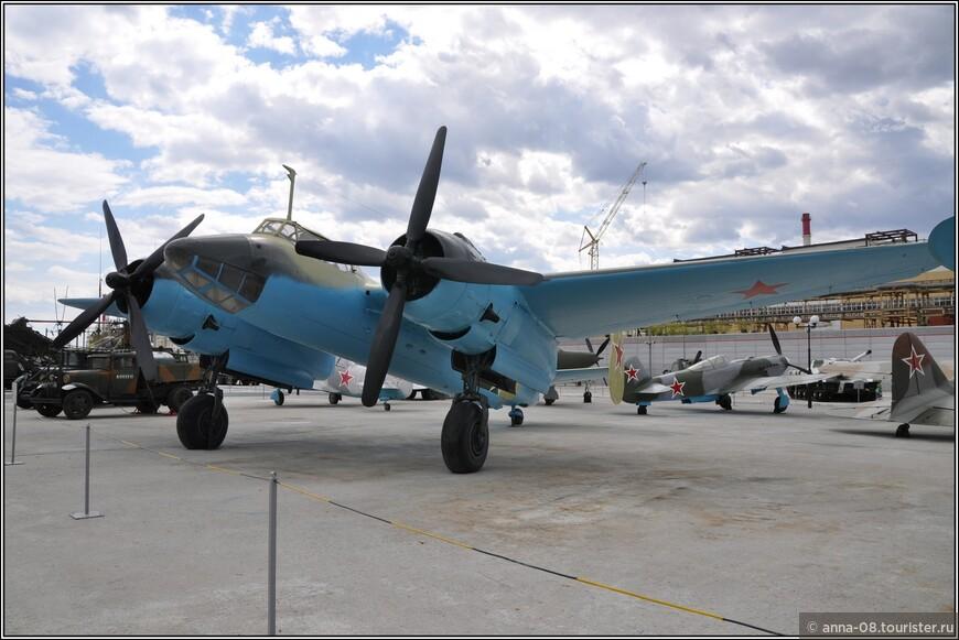 Пикирующий бомбардировщик Ту-2с