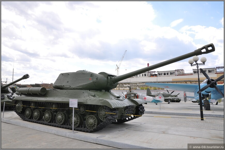 Тяжелый танк ИС-2М образца 1943 г.