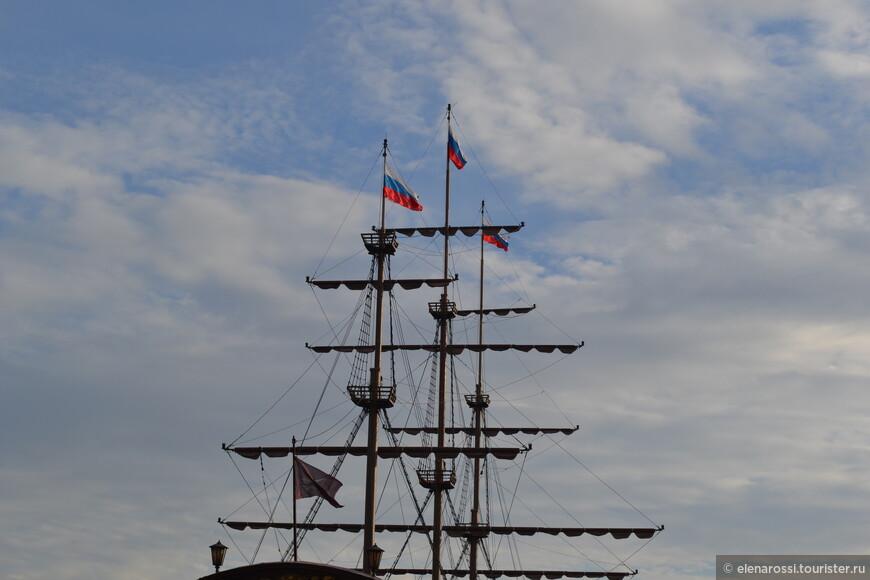 А над водою полощутся флаги... И снова строчки посвященные ПетруI Не очень известного ленинградского поэта - Роальда (не Осипа) Мандельштама,  написанные в 1956 году...