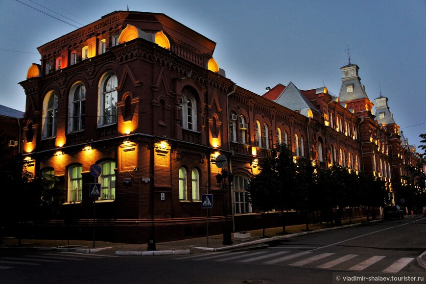 Здание Администрации Астраханской области входит в состав объектов культурного наследия регионального значения «Ансамбль зданий городских учреждений».
