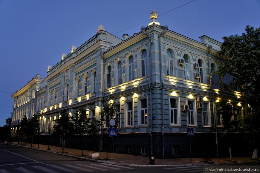 Административное здание на улице Советской.