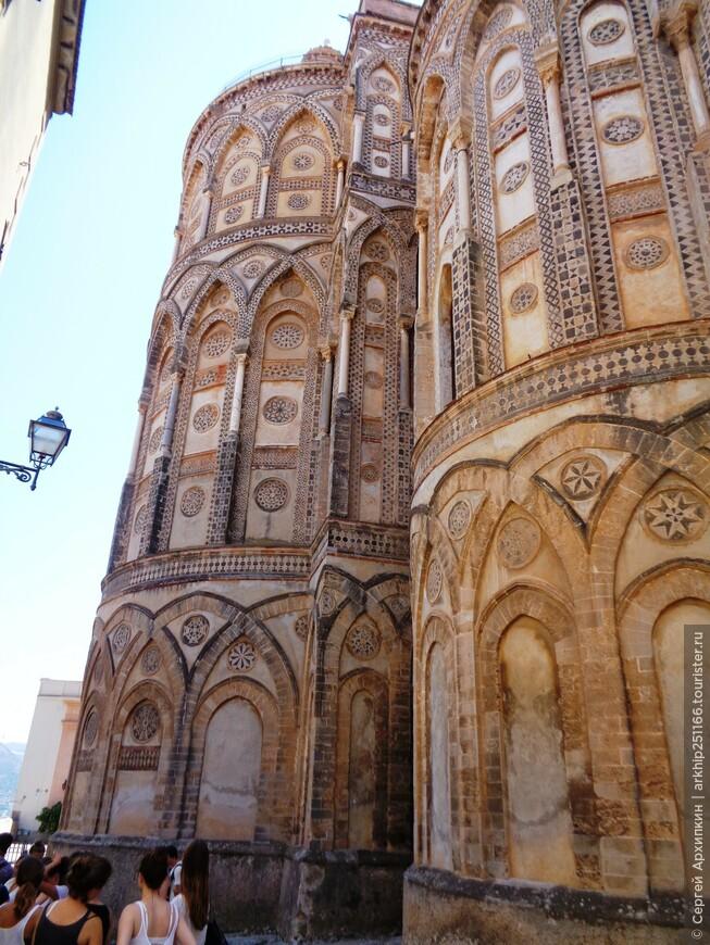 Задняя сторона Кафедрального собора
