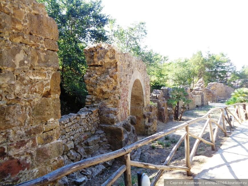 Вилла Казале - это подлинное сокровище сицилийского культурного наследия и включена Юнеско в список Всемирного наследия