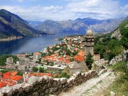 МИД и Ростуризм напоминают россиянам о рисках поездок в Черногорию