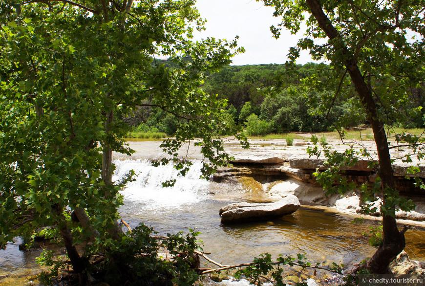 Большинство техасских рек пригодны скорее для валяния, чем для плаванья. Как ни удивительно, при всех их скромных размерах форели много.