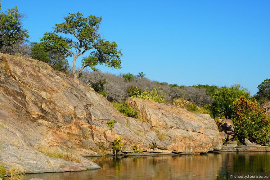 Купаться хорошо не в реках, а в озерах, которые находятся в гранитных трещинах.